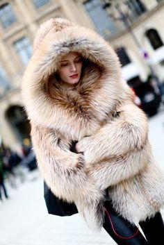 Hooded Fox Fur Coat, Time To snuggle up baby💋 Fur Fashion, Winter Fashion, Paris Fashion, Street Fashion, Indie Fashion, Fashion 2017, Fashion Trends, Dame, Fox Fur Coat