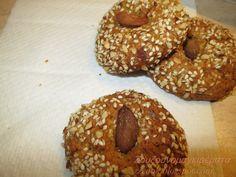 Healthy Baby Food, Healthy Recipes, Greek Beauty, Almond Cookies, Bagel, Doughnut, Biscuits, Sweets, Bread