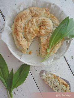 Sós túrós burek medvehagymával   Sütidoboz.hu Shrimp, Cabbage, Favorite Recipes, Meals, Vegetables, Food, Meal, Essen, Cabbages