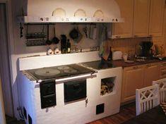Puuhella, Petteri Stubb Tmi Small Apartment Kitchen, Diy Kitchen, Kitchen Design, Small Tiny House, Tiny House Design, Apartment Design, Finland, New Homes, Room Decor
