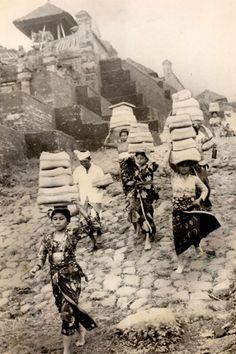Pura Besakih, 1966