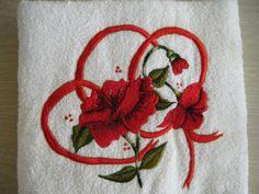 Hermosa toalla bordada