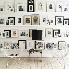 The perfect gallery wall as seen in danish novelist Annika von Holdt 's home. Some serious design inspiration. Inspiration Wand, Interior Inspiration, Design Inspiration, Design Ideas, Interior And Exterior, Interior Design, Room Interior, Scandinavian Home, Scandinavian Christmas