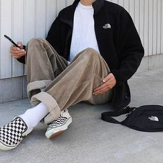 men's street style outfits for cool guys Aesthetic Fashion, Look Fashion, Aesthetic Clothes, Korean Fashion, Mens Fashion, Mode Outfits, Retro Outfits, Vintage Outfits, Fashion Outfits