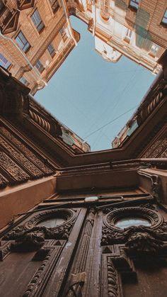 Angel Aesthetic, City Aesthetic, Retro Aesthetic, Travel Aesthetic, Aesthetic Photo, Aesthetic Pictures, Royal Wallpaper, Locked Wallpaper, Architecture Wallpaper