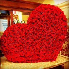 .500 red roses heart shaped arrangement