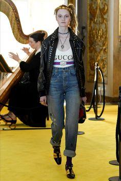 Sfilata Gucci Firenze - Pre-collezioni Primavera Estate 2018 - Vogue