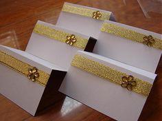 pre hostí na svadbu, stačí vypísať meno a menovky sú hotove, rôzne farby- pozri stuhy alebo svadobné pierka...