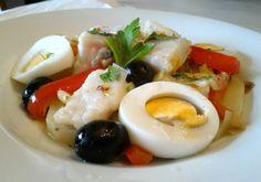 Te presento esta receta de bacalao a la portuguesa muy fácil. Una combinación deliciosa que además puedes preparar en gran cantidad con poco esfuerzo.