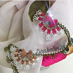 Die bestellte Blüte Perlen 20 verschiedene Nadelspitze Modell – Nafiye Kalender – Join in the world of pin Filet Crochet, Christmas Stockings, Tatting, Diy And Crafts, Embroidery, Holiday Decor, Cities, Hardanger, Embroidery Stitches
