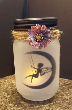 Beautiful DIY Fairy Jar Ideas & Designs For 2019 Who amongst us isn't a fan of fairy tales and enchanted stories? Glowing fairy jars look enchanting. Here are best diy fairy jar ideas for you. Pot Mason Diy, Mason Jars, Mason Jar Crafts, Crafts With Jars, Bottles And Jars, Fairy Crafts, Diy And Crafts, Creative Crafts, Mason Jar Fairy Lights