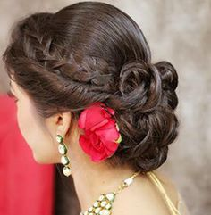 We define ourselves based on the relationships we build with our clients and the ability to provide you with the ultimate salon experience through dedicated, expert care. From haircuts to hair color, small changes to reinventions, our hair stylists work with you to design the perfect, customized style.