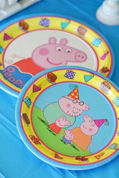 Peppa Pig Dinner Plates  sc 1 st  Pinterest & Peppa Pig Plastic Tablecover | Plastic table covers Plastic tables ...
