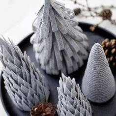 Felt Christmas Trees Amazing modern Christmas decor ideas that anyone can make! Modern Christmas advent calendars, signs, and decorations that aren't your traditional decor! Modern Christmas Decor, Felt Christmas Decorations, Minimal Christmas, Christmas Table Settings, Nordic Christmas, Noel Christmas, Winter Christmas, Felt Christmas Trees, Christmas Ornaments