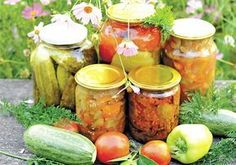 Home Made Mixed Pickle - LekhaFoods Home Canning, Canning Jars, Canning Recipes, Mason Jars, Jamie Oliver, Mixed Pickle, Allotment Gardening, Fermented Foods, Preserving Food