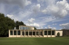 Níall McLaughlin's Sultan Nazrin Shah Centre at Worcester College in Oxford has been named building of the year in the RIBA South region Oxford College, College Campus, Cambridge, Worcester College, Innovative Office, Lecture Theatre, Foster Partners, Timber Buildings, Clerestory Windows