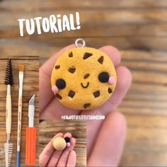 Crafting Just Got More Fun🍪 - Beginner pottery Polymer Clay Kunst, Polymer Clay Kawaii, Polymer Clay Miniatures, Fimo Clay, Polymer Clay Projects, Polymer Clay Charms, Polymer Clay Creations, Resin Crafts, Polymer Clay Jewelry