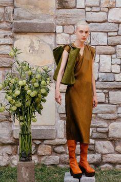 Simon Miller Spring 2017 Ready-to-Wear Collection Photos - Vogue