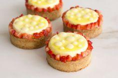 עוגיו.נט: טארטלט לימון, תותים וקוקוס