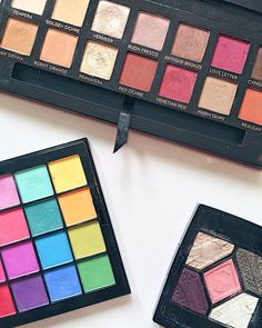 New blog post on colourful eyeshadow shades that can be worn easily like neutrals! Check out my blog post (link in bio) and let me know what non-neutral eyeshadow colours you enjoy wearing!