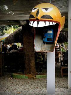 Orelhão em forma de Carranca, em Petrolina, Pernambuco