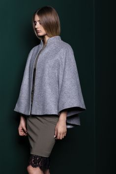 Beautiful grey cape for all type of occasions!   #cape #grey #coat #fall #spring #kimonoinspired