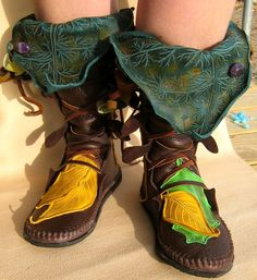 Mid-Calf Evolution Boot / Tall Moccasin Hand Stitched Bullhide Leather With Custom Etched Leaf Art And Applique / LOTR Festival Boots LARP