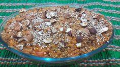 Em clima de #segundasemcarne jantarzinho de hj Quibe de quinoa em grãos com abóbora  Cozinhe a quinoa e tempere a gosto. Faça um purê de abóbora. Acrescente ervas condimentos a gosto chia e gergelim junte a combinação de quinoa com abóbora. Leve ao forno com lasca de oleaginosas e gergelim. Prontinho! Fácil rápido nutritivo e funcional. #boanoite #jantarfuncional #receitadanutri #blocodereceitasdanutri #vegano #eatclean #sustentabilidade #pensenoplaneta #nutrikarinacosta by karinacosta_nutri…