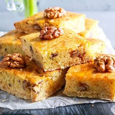Saftiger, einfacher Low Carb Nusskuchen Low Carb Torte, Low Carb Keto, I Foods, Cornbread, Keto Recipes, Muffins, Ethnic Recipes, Fitness, Pies