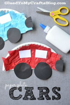 Paper plate cars. craft for toddlers and preschoolers. red and blue cars. easy craft