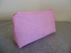 Hey, I found this really awesome Etsy listing at https://www.etsy.com/listing/113601682/cosmetic-bag-pink-with-tiny-black-spots