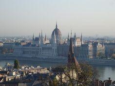Budapest, El Parlamento sobre el Danubio Budapest, Cathedral, Building, Travel, Pictures, Viajes, Buildings, Cathedrals, Destinations