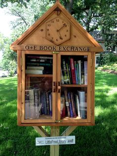 We LOVE our little library and our community seems to as well! My son (age and I fell in love with the Little Free Library concept about a year ago. My uncle is a woodworker and I hired him to build us a library--and a li Little Free Library Plans, Little Free Libraries, Little Library, Mini Library, Library Books, Library Inspiration, Library Ideas, Street Library, Lending Library