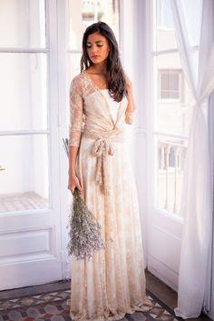 Golden Lace Dress Long Sleeves   Mimètik Bcn - Gouden kanten jurk met lange mouwen   Mimètik Bcn - maniche lunghe abito di pizzo dorato   Mimètik Bcn