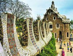 Barcelona Park Güell by Wolfgang Staudt, via Flickr