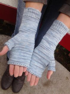 Gathering of the Clouds (fingerless mitts)