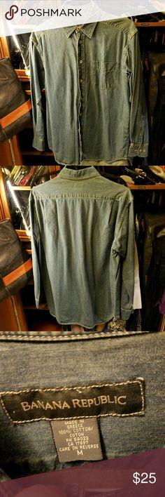BANANA REPUBLIC denim shirt Button down denim shirt SIZE medium Banana Republic Shirts Casual Button Down Shirts