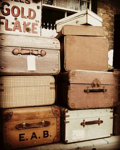 Love keeping my Christmas ornaments in vintage suitcases then using them stacked as bedside table !!!!!!!!!!!!!! Have them at AFFORDABLE CHIC!!
