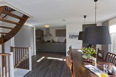 www.vakantiehuisopterschelling.com  De woonkeuken van Villa Rosa, luxe vakantiehuis op terschelling.