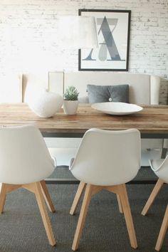 """Jeg """"falt pladask"""" for disse fine stolene som vi fikk inn… Entryway Furniture, Luxury Furniture, Home Furniture, Contemporary Furniture, Wooden Furniture, Antique Furniture, Furniture Ideas, Outdoor Furniture, Table And Chairs"""