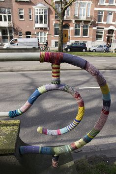 love, love, love this guerrilla knitting from the Netherlands