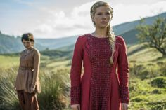 """Episode 11 (titled """"The Outside"""") of the Season 4 Part 2 premiere of History's Vikings revealed Lagertha training her new girlfriend, Astrid. It seems Lagertha has a plan she is . Vikings Season 5, Vikings Lagertha, Vikings Tv Series, Vikings Tv Show, Ragnar, Vestidos Viking, Viking Series, Finals, Entertainment"""