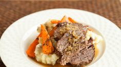 Epicure French Onion Pot Roast Making this with deer roast (adding carrots, celery and maybe red wine) Venison Recipes, Slow Cooker Recipes, Crockpot Recipes, Venison Meals, Cooking Recipes, Deer Recipes, Game Recipes, Food N, Food And Drink