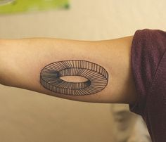 Tattoo Geometric Optical Ilusion/Ilusión Óptica Geométrica