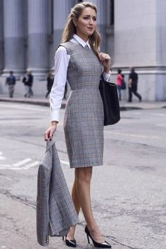 Adorable Spring Outfits Ideas To Wear To Work 40