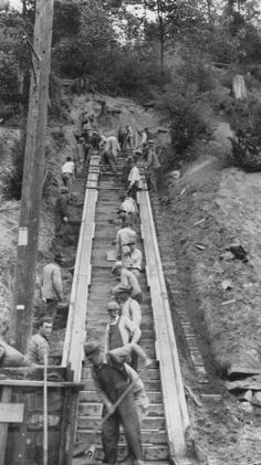 WPA workers building stairway at Golden Gardens, 1936 Works Progress Administration, San Francisco Earthquake, School Vacation, Lake Union, West Seattle, Great Depression, Black And White Pictures, Summer Activities, Garten