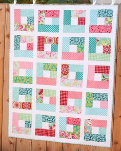 simple and pretty quilt - - similar to a 9 patch I've pinned! Jellyroll Quilts, Scrappy Quilts, Easy Quilts, Mini Quilts, Sampler Quilts, Patchwork Quilting, Quilting Tips, Quilting Tutorials, Quilting Projects