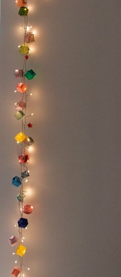Awesome String-Light DIYs For Any Occasion Origami boxes over christmas lights. Amazing for any occasion, but double amazing for a wedding!Origami boxes over christmas lights. Amazing for any occasion, but double amazing for a wedding! Hanging Lights, Fairy Lights, String Lights, Light String, Balloon Lights, Flower Lights, Hanging Decorations, Light Decorations, Crafts For Teens