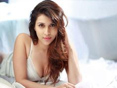 Actress Mannara Wallpapers