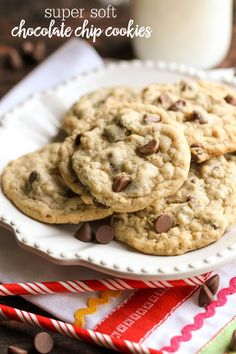 SO soft and SO delicious - these Chocolate Chip Cookies are sure to be a hit!! { lilluna.com }